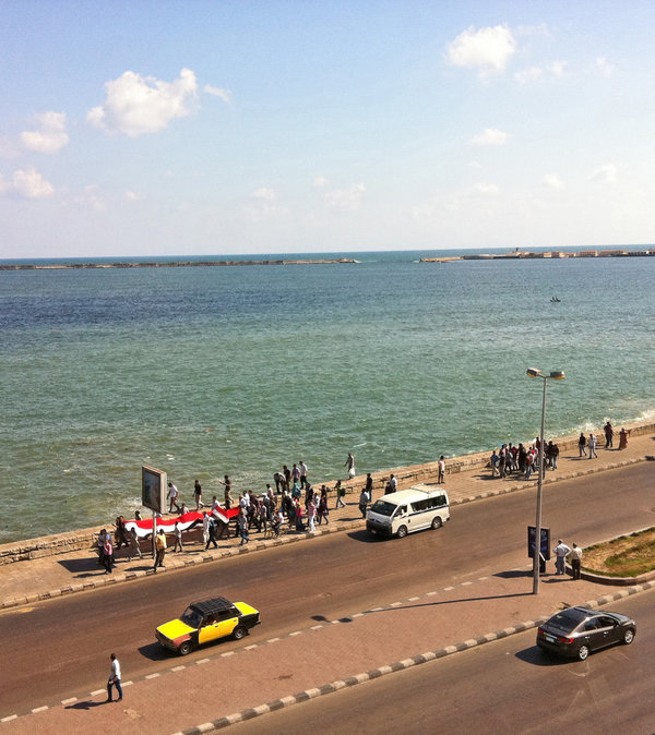 Arab Spring in Alexandria, protesters on the Corniche