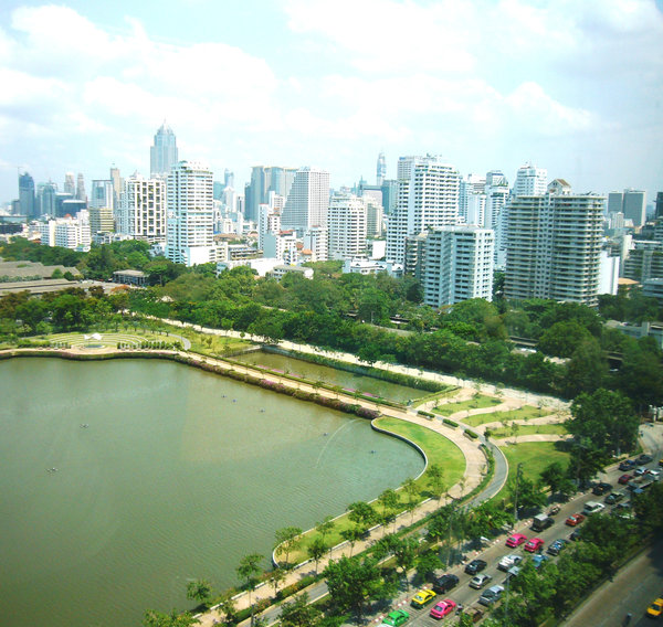 Bangkok urban elevation: park within the dense business district