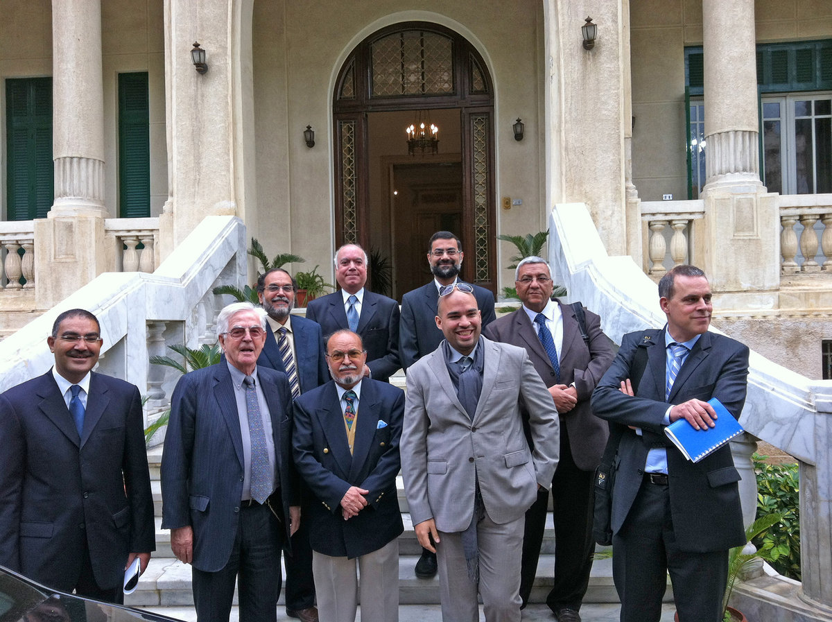 Prof. Speer and team in front of governorate of Alexandria